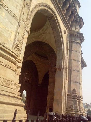 gateway of india, gateway of india mumbai, architecture of gateway of india,