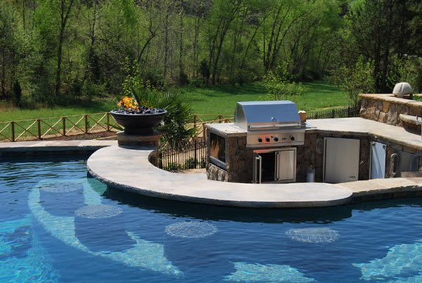 Luxury-Home-Buyers-Want-Most-Outdoor-Kitchens-and-Pools-01