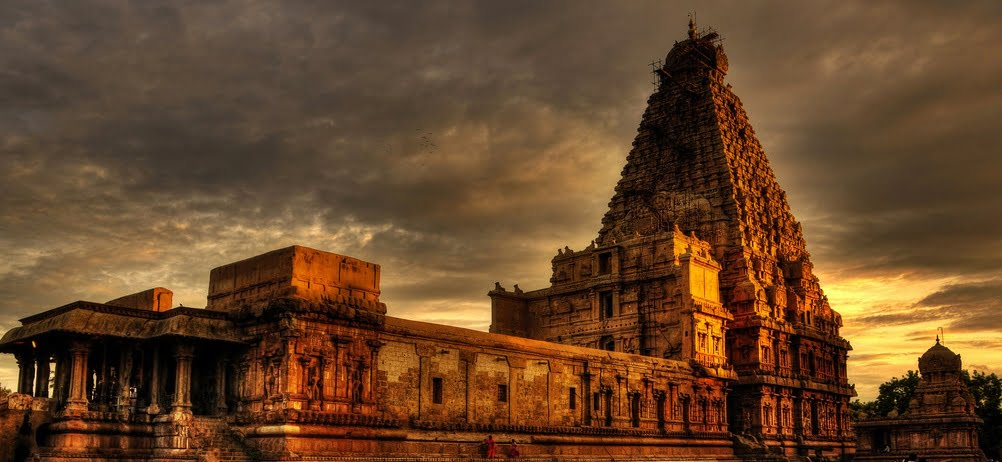 hindu temple architecture style and analogous of the human