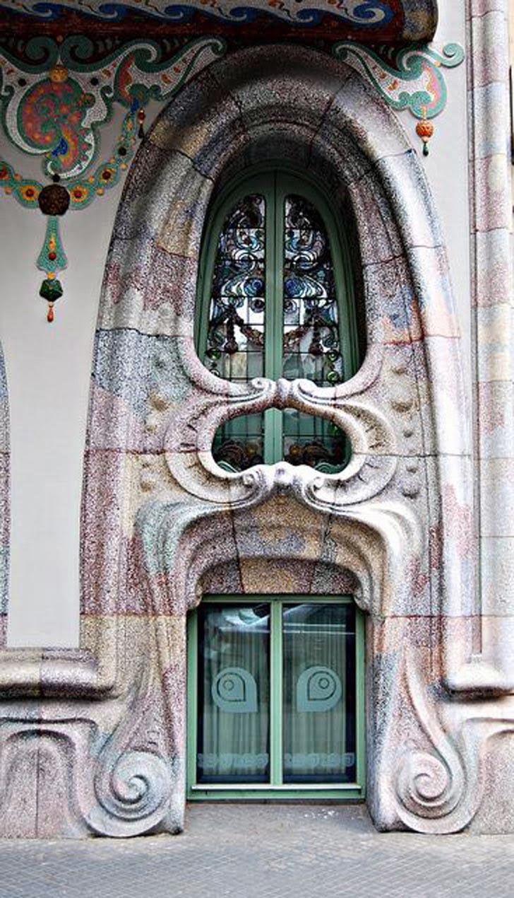 Art nouveau architectural style sought a new graphic for Architecture art nouveau
