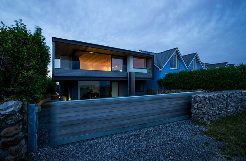 Modern cliff house contemporary architecture style by HydeHyde arch