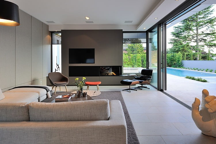 Peachy Contemporary Villa Design Integrate Indoor Outdoor Space Largest Home Design Picture Inspirations Pitcheantrous