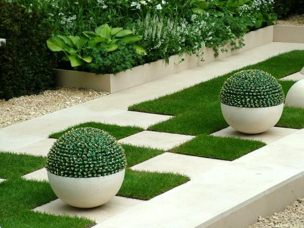 Add Geometry In Small Garden Ideas