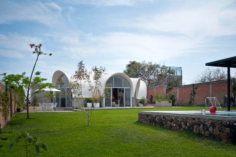 Parabolic Vaulted Ceiling House Design Unconventional Architecture Approach In Mexico (3)
