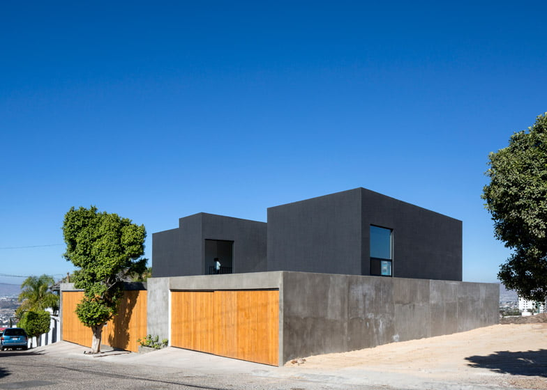stucco house,