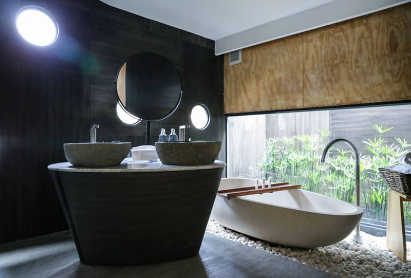 Floating Holiday Homes bathroom of River Kwai Thailand (7)