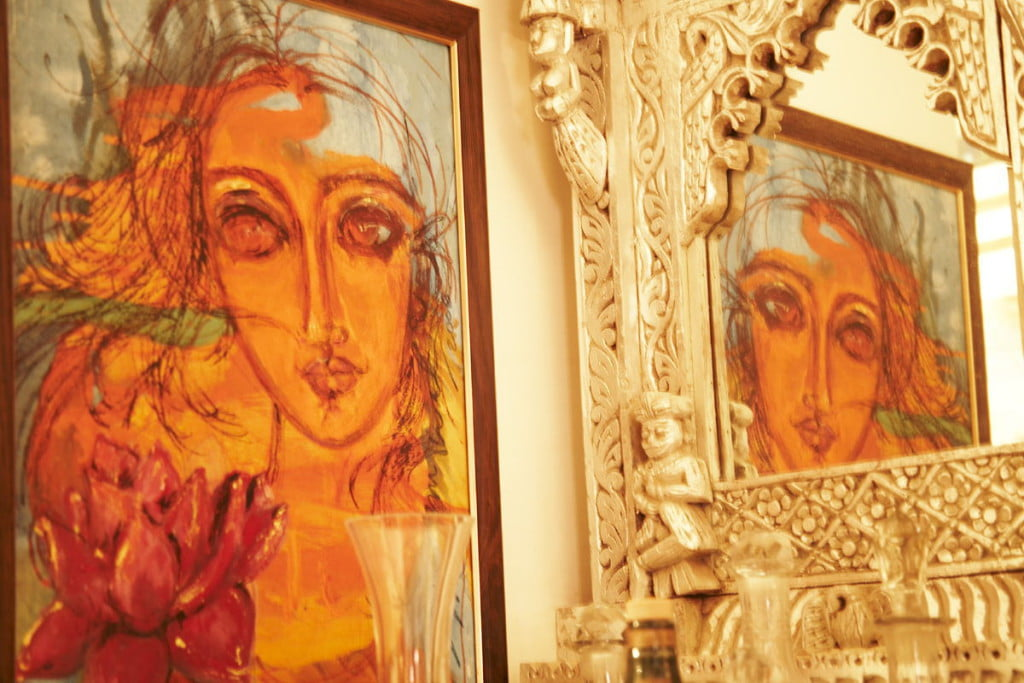 Painting on the wall in home decore