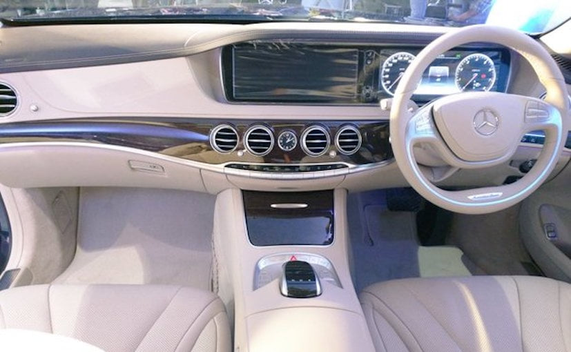 Mercedes Benz S400 Interior