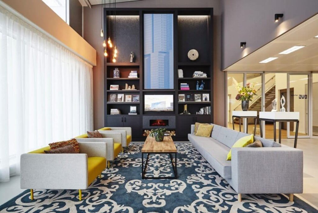 Office Interior Design With Flexible Spaces