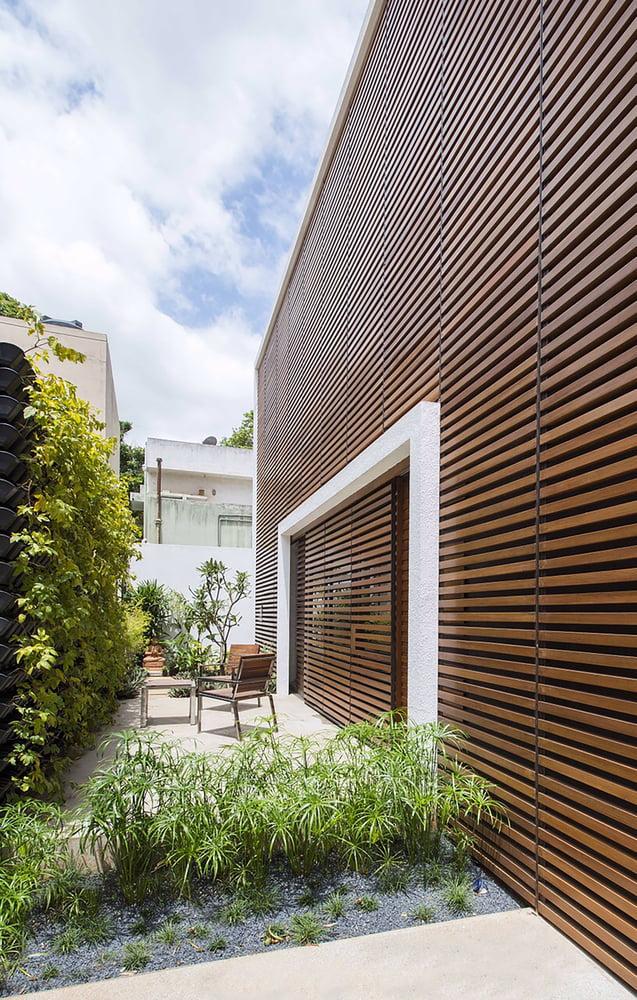 Badri Residence A Modern Indian House Architecture Paradigm (13)