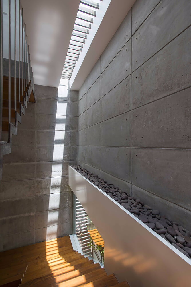 Badri Residence A Modern Indian House Architecture Paradigm (5)