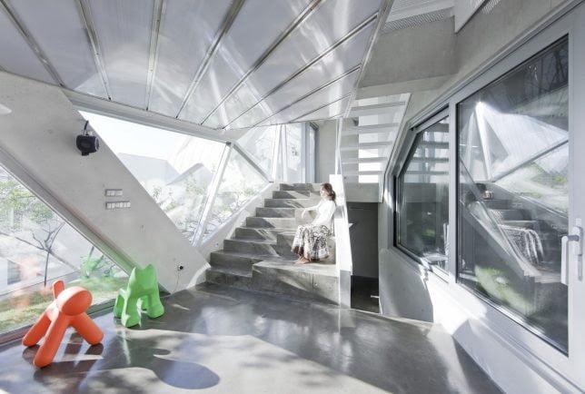 Blooming Origami Geometric House Design by IROJE KHM