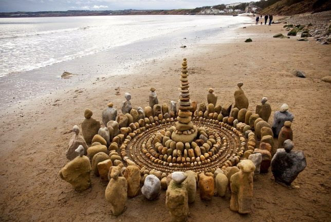 Simple Stone Art And Craft Ideas Of An Artist To Create Organic